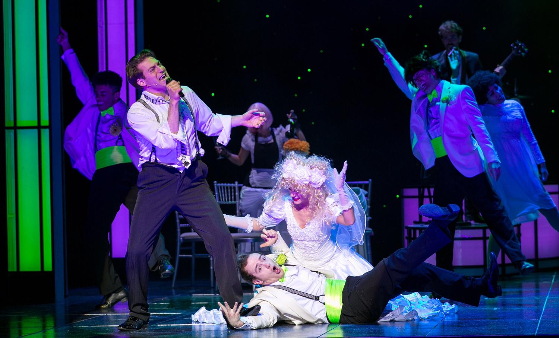 The Wedding Singer - Jon Robyns as Robbie Hart - Photo (c) Darren Bell (2)